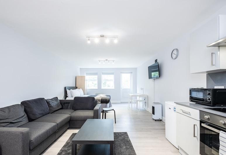 Executive Studio Apartments, London, Executive studio suite (4), Dnevni boravak