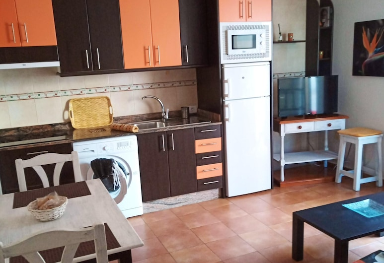 Apartment With one Bedroom in Corralejo, With Wonderful City View, Balcony and Wifi - 800 m From the Beach, La Oliva