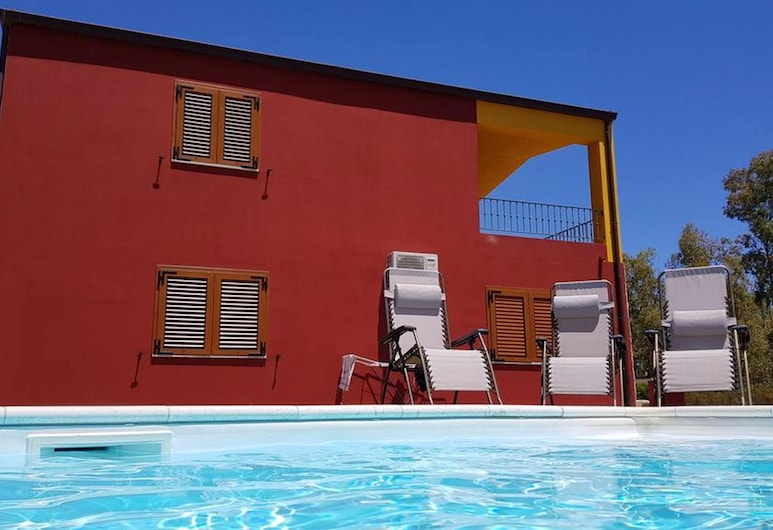 Apartment With 3 Bedrooms in Cardedu, With Shared Pool, Enclosed Garden and Wifi - 700 m From the Beach, Cardedu, Pool