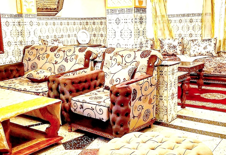 Apartment With 2 Bedrooms in Tanger, With Furnished Garden, Tangier, Living Room