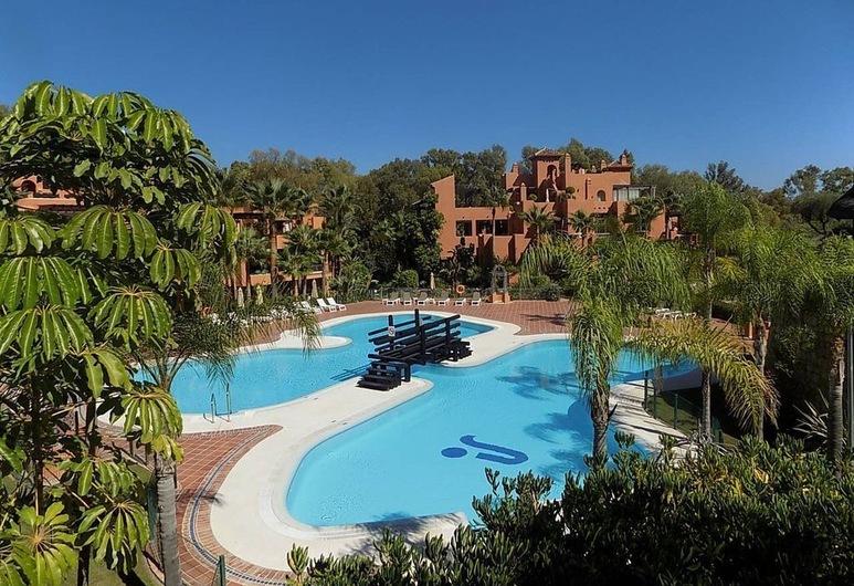 Luxury Penthouse near Puerto Banus, มาร์เบลลา, สระว่ายน้ำกลางแจ้ง