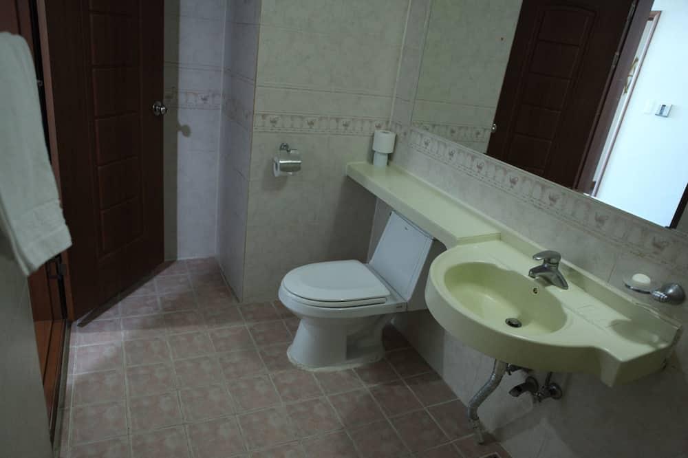 Family Room, Ocean View (25PY) - Bathroom