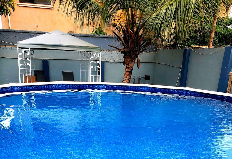 Classy Holiday Villas With Pool in Accra, Ghana , Tema, Baseinas