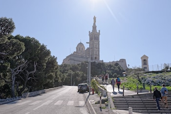 Gambar La Belle Notre-Dame de la Garde di Marseille