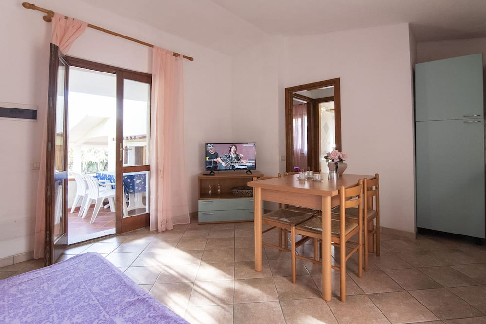 شقة مريحة - غرفة نوم واحدة - برواق (Tridente) - منطقة المعيشة