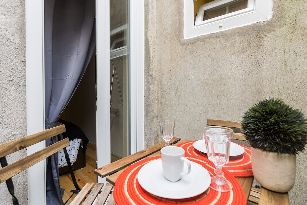 Lägenhet - 2 sovrum - Balkong