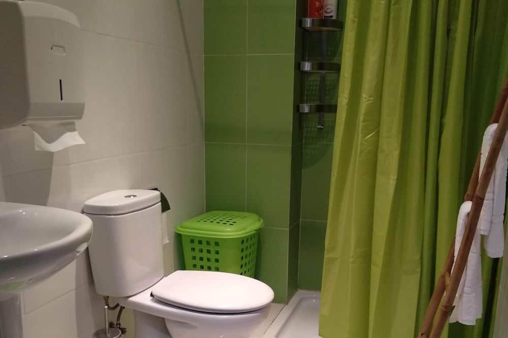 標準雙人或雙床房, 共用浴室 - 浴室