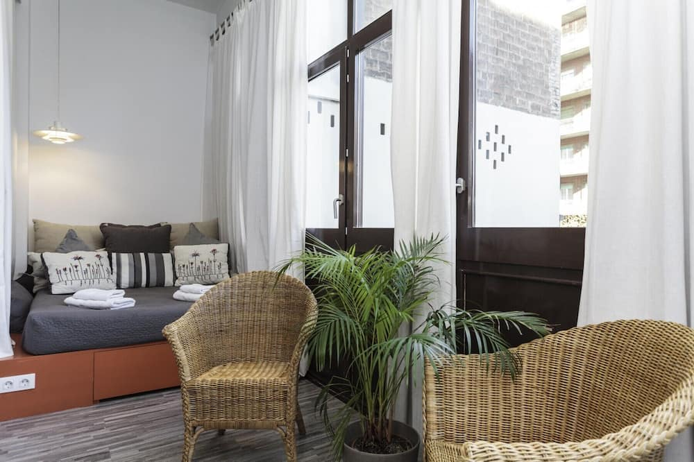 Apartment, 4 Bedrooms, Terrace - Living Area