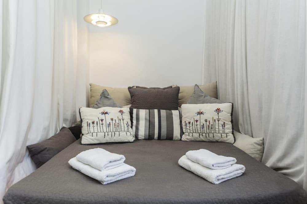 Apartment, 4 Bedrooms, Terrace - Room