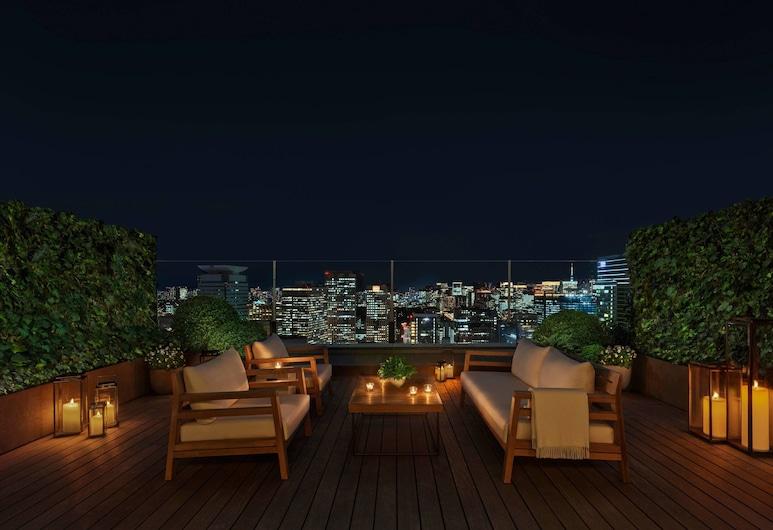The Tokyo EDITION, Toranomon, طوكيو, غرفة علوية - سريران كبيران - بشرفة - منظر للمدينة (Loft Terrace, Larger Guest room), غرفة نزلاء
