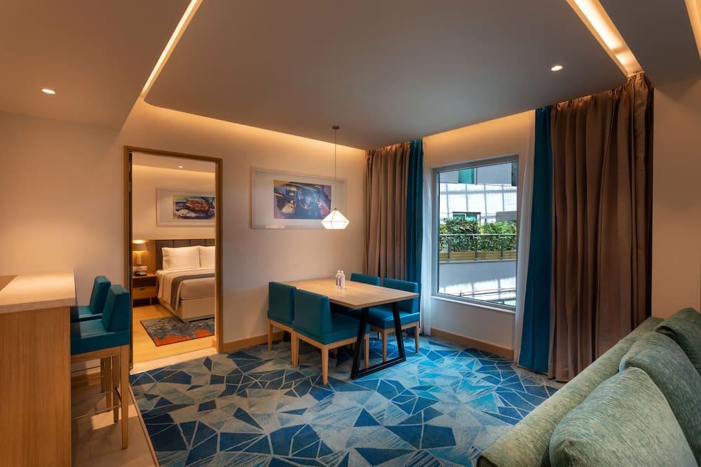 Suite, 1 queensize-seng, ikke-røyk, badekar (Kitchenette) - Oppholdsområde