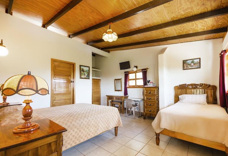 Hotel Don Quijote, Uruapan, Standard-herbergi fyrir þrjá, Herbergi
