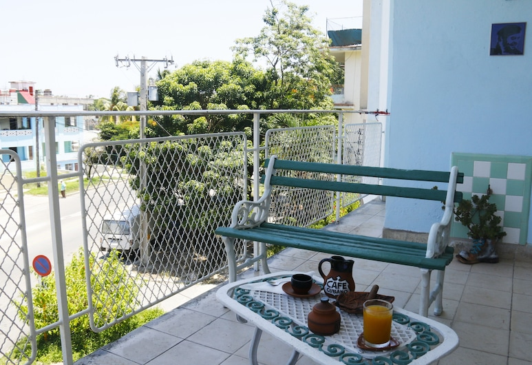 Casa Rene y Madelyn, Havana, Deluxe Apartment, 2 Bedrooms, 2 Bathrooms, City View, Balcony