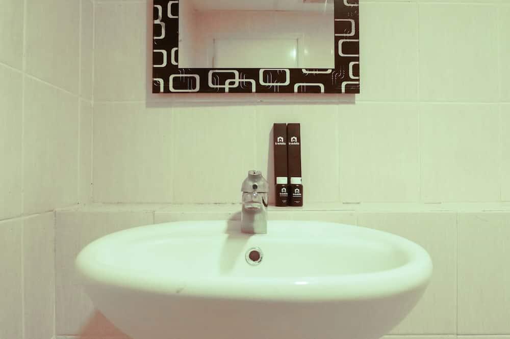 Habitación - Lavamanos en el baño