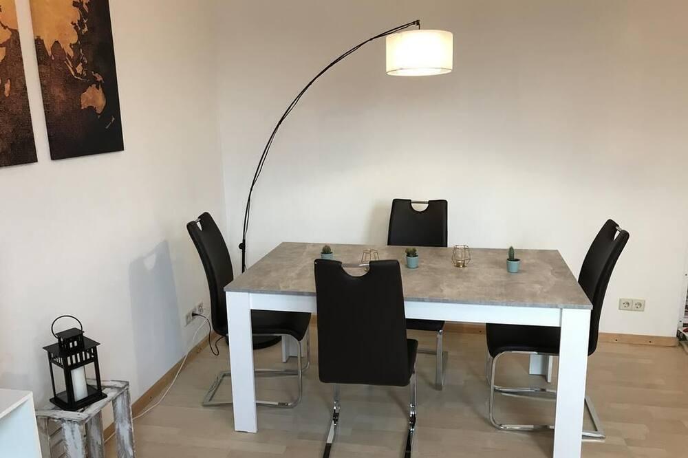 Habitación triple - Comida en la habitación