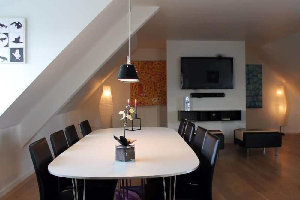 Penthouse, 2 Bedrooms - In-Room Dining