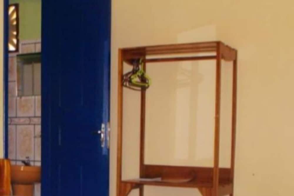 Dreibettzimmer, 1 Schlafzimmer, Gartenblick - Badezimmer