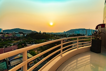 Enter your dates for special Vung Tau last minute prices