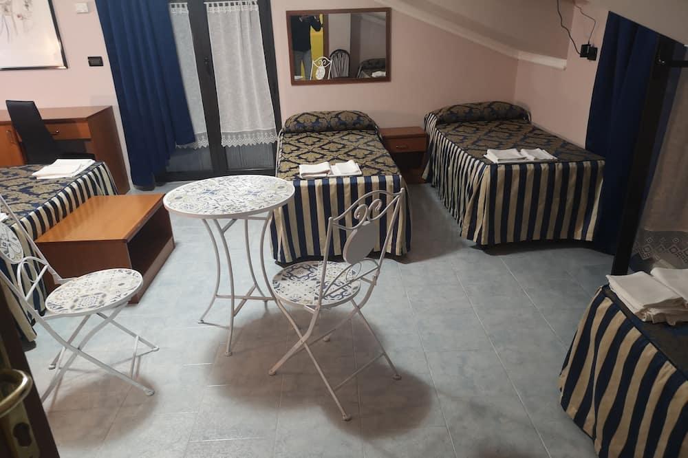 Quintuple Room - Children's Theme Room