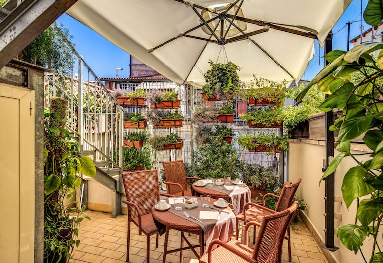 Trevi Collection Hotel, Rom, Terrasse/patio