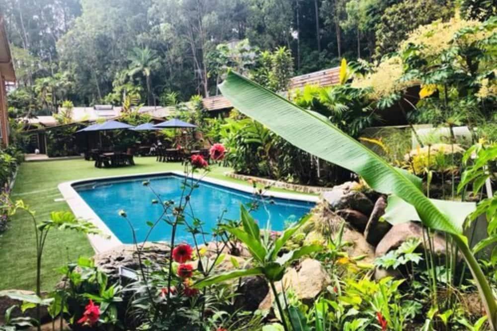 Pacific Gardens Hotel