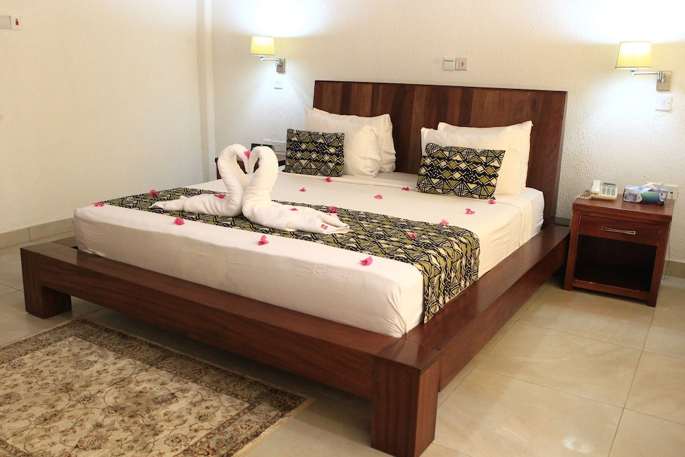Coconut Grove Beach Resort Elmina