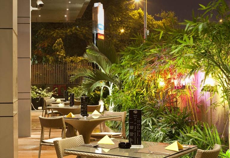آرت مومباي أيربورت هوتل, مومباي, مطعم ملائم للعائلات