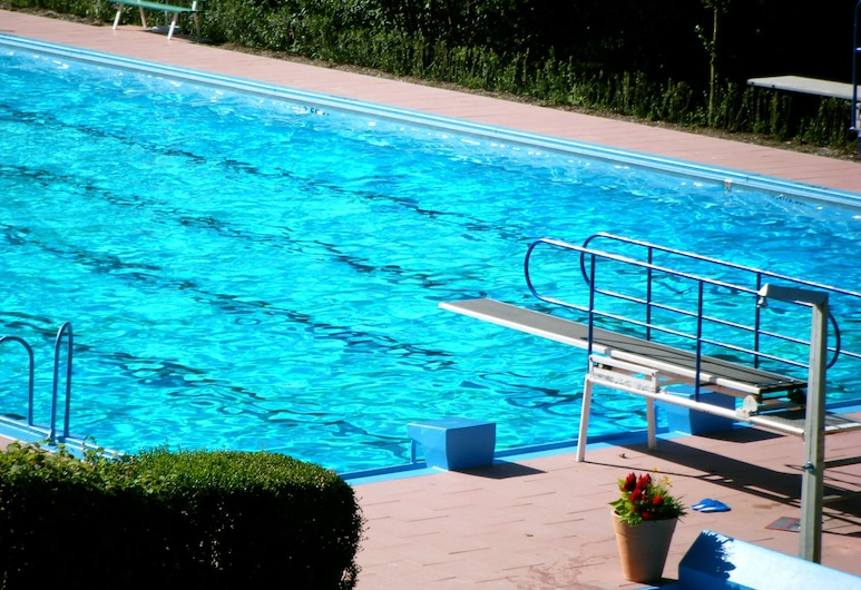 Hotel Schauinsland, Bad Peterstal-Griesbach, Piscina al aire libre