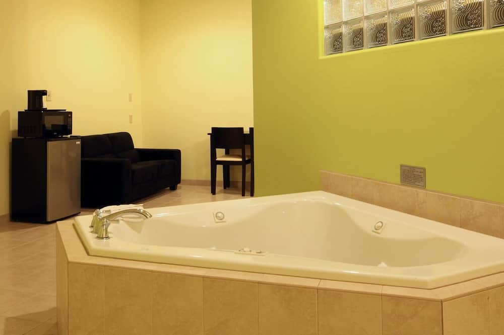 Suite, Non Smoking, Jetted Tub - Jetted Tub
