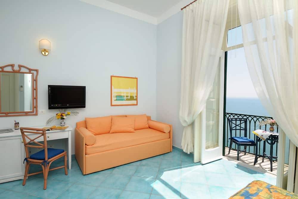 Superior Quadruple Room, Balcony, Sea View - Living Area