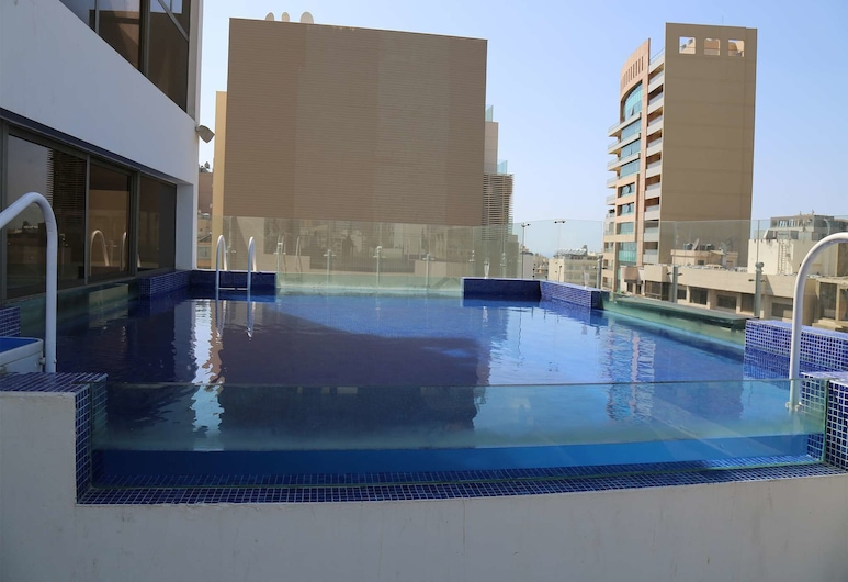 Golden Tulip Midtown Hotel and Suites, Beirut, Alberca al aire libre