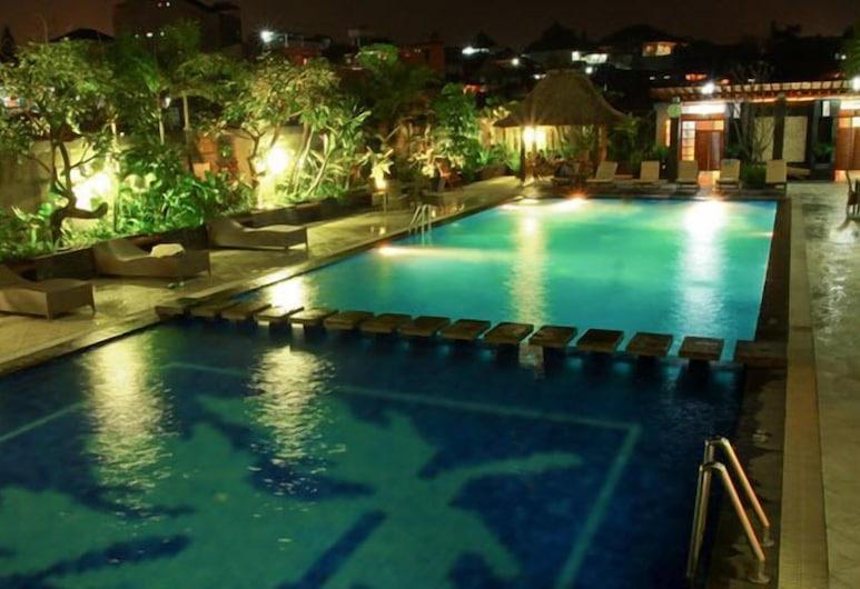 Galeri Ciumbuleuit Hotel, Bandung, Außenpool