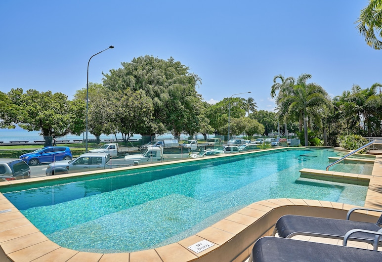 Vision Apartments, Cairns, Pool