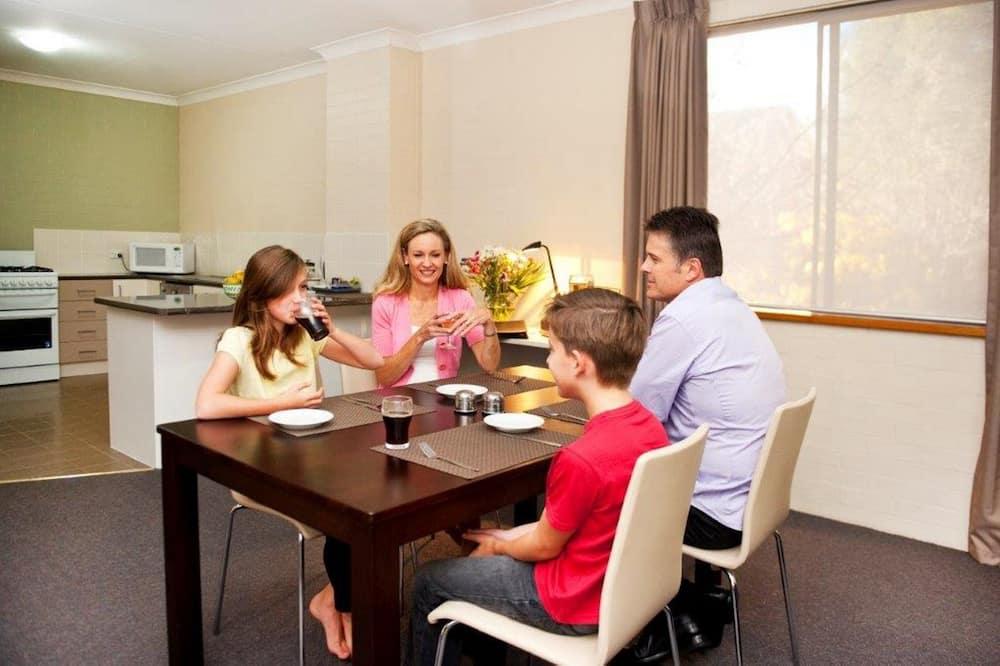 สแตนดาร์ดอพาร์ทเมนท์, 1 ห้องนอน - บริการอาหารในห้องพัก
