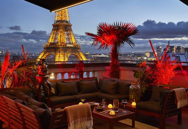 Shangri-La Hotel Paris, Paryż, Taras/patio