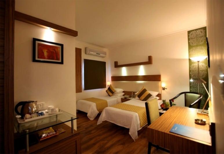 Hotel Crossroads, Gurugram, Suite, 1 Bedroom, Guest Room