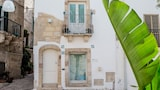 Choose This Cheap Hotel in Polignano a Mare