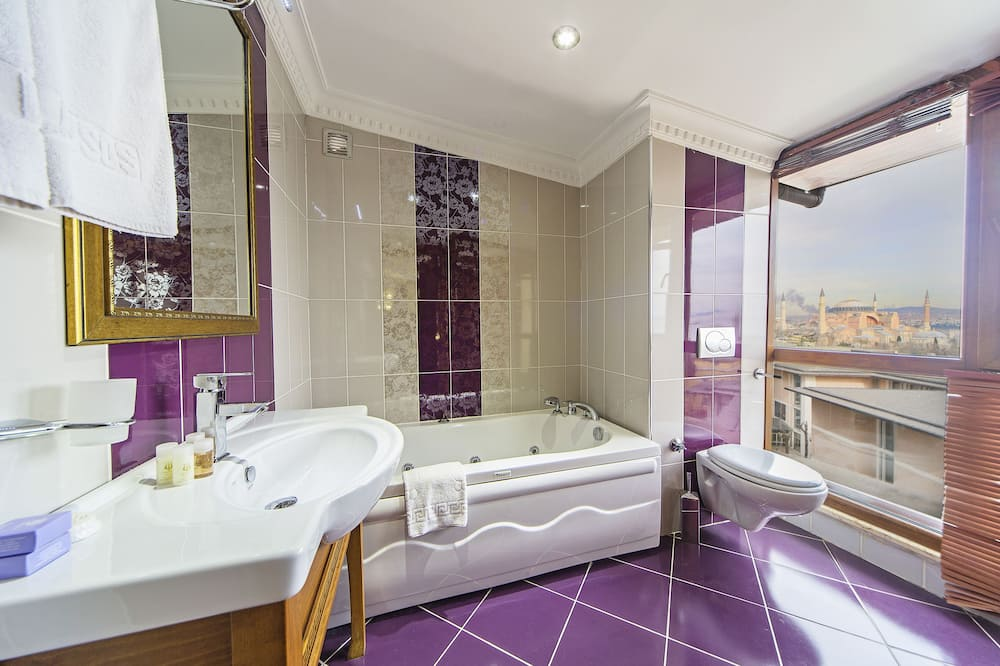 King Suite with Blue Mosque & Haghia Sophia View - Koupelna