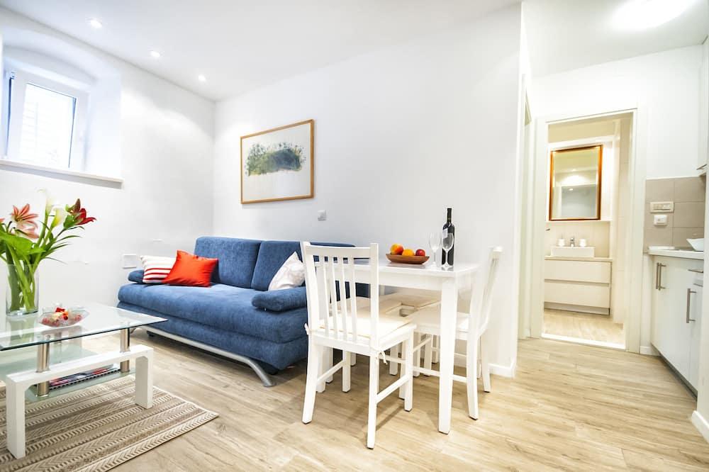 Comfort Studio (Bella) - Living Room