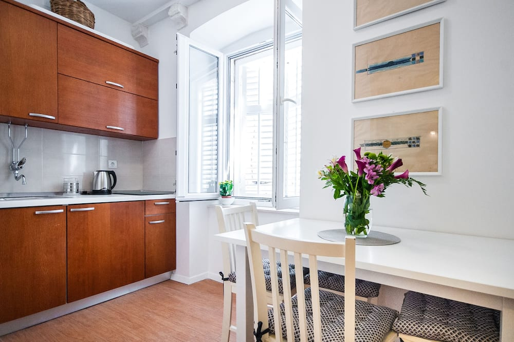 Comfort Apartment (Diana) - In-Room Dining