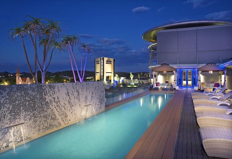 Hilton Windhoek, Windhoek, Bazén na střeše