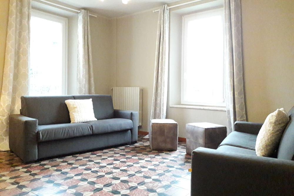 Comfort Apartment, 2 Bedrooms (Via San Marco 7) - Living Room