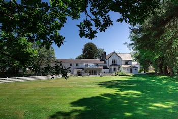 Picture of Llechwen Hall Hotel in Cardiff