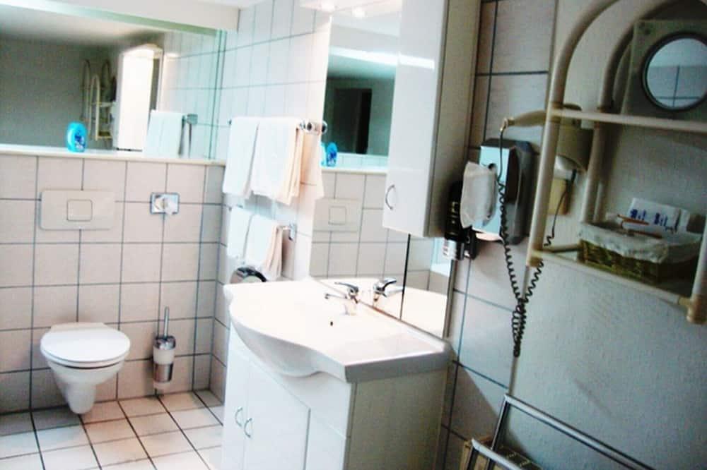 Phòng đôi Economy, Phòng tắm riêng (im Untergeschoss ) - Phòng tắm