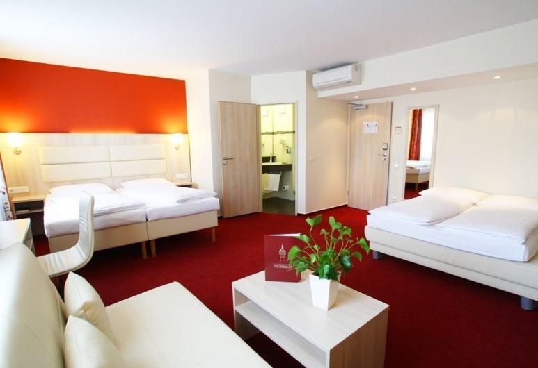 Hotel Rödelheimer Hof - Am Wasserturm, Frankfurt, Quarto Quádruplo Familiar, Área de Estar