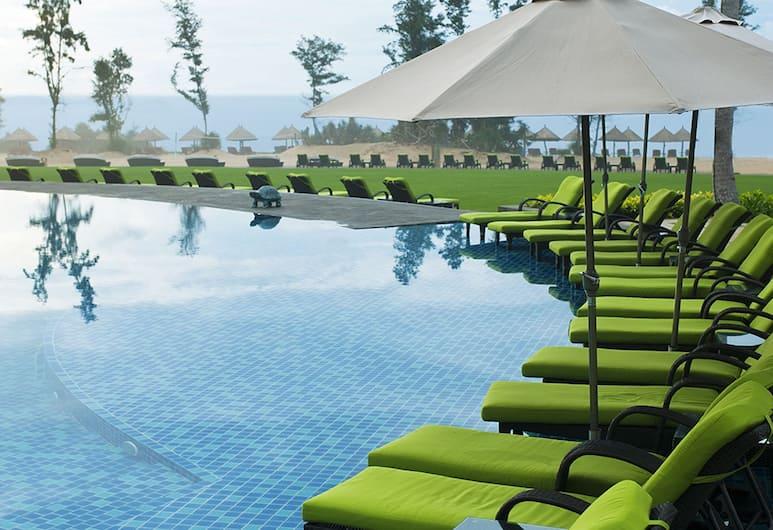 DoubleTree Resort by Hilton Hotel Sanya Haitang Bay, Sanya, Pool