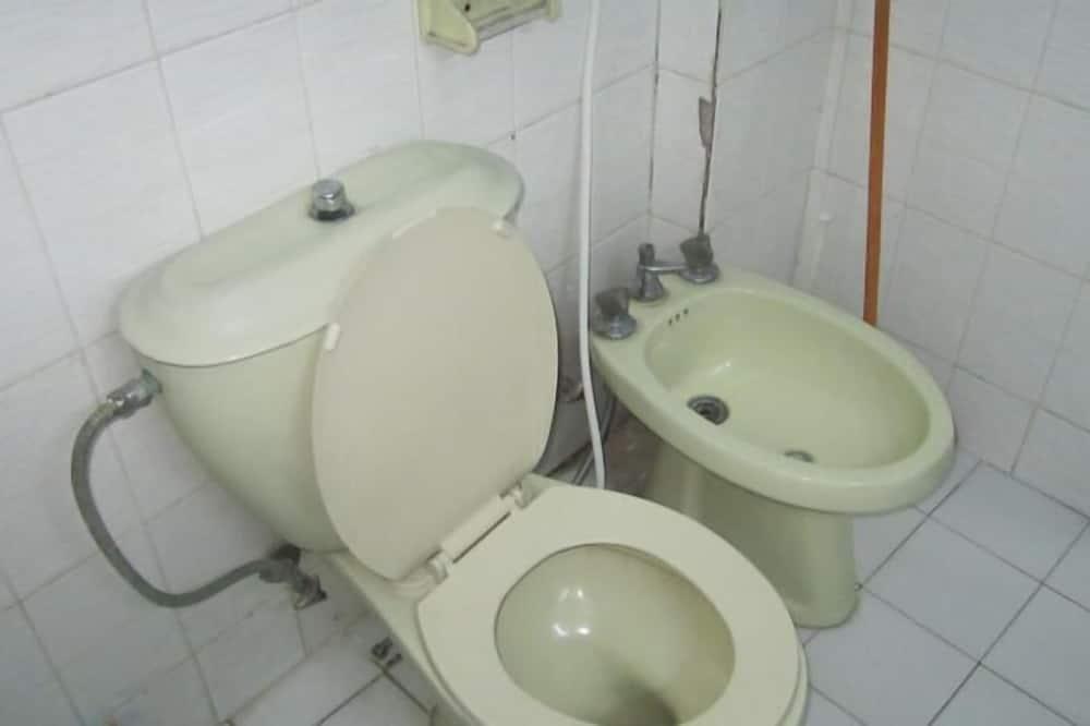 Standard Double or Twin Room, 1 Bedroom - Bathroom