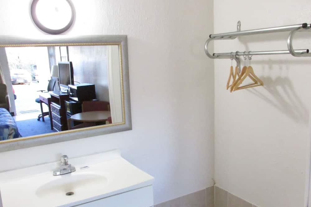Premium-studiosviitti, 1 suuri parisänky, Tupakointi kielletty - Kylpyhuone