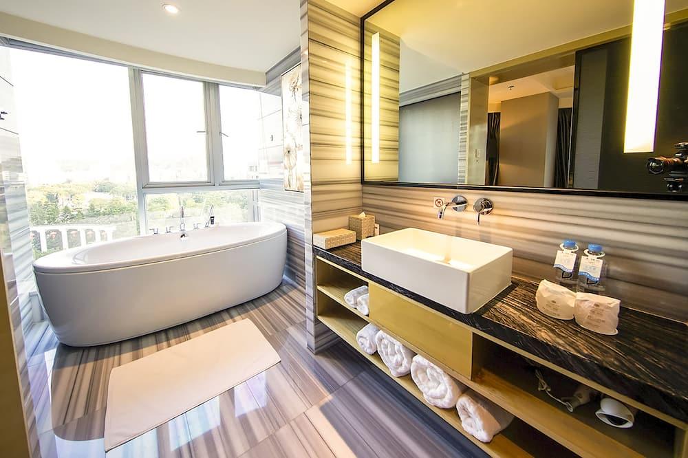 Suite, 1 cama king-size, Banheira, Vista Cidade - Casa de banho