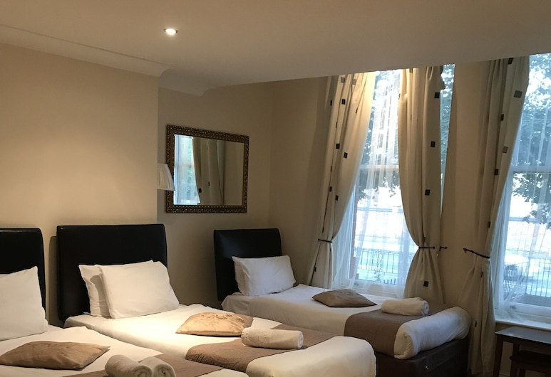 Sheil Suites, Liverpool, Standard Triple Room, Guest Room